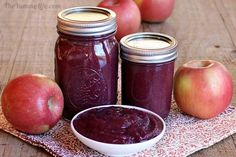 5 easy, healthy applesauce blends with no peeling, straining, or added sugar. Add delicious flavor to yogurt or oatmeal, spread on toast for a healthy jam. Canning Recipes, Crockpot Recipes, Healthy Recipes, Cooked Apples, Apple Recipes, Jam Recipes, Food Processor Recipes, Healthy Eating, Vanilla