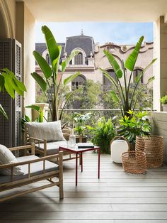 VIVIENDA MUNTANER: Terrazas de estilo de Meritxell Ribé - The Room Studio