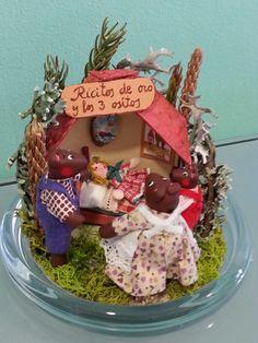 Cuento se los 3 ositos de Inés Moeeno. miniaturines