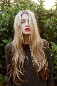 LONG (about hip length) and beautiful ombre hair! Blond and brown with natural wavy texture… So pretty!