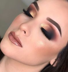 46 Stunning Makeup Ideas For Daily You Can Try 46 Stunning Makeup Ideas For Daily You Can TryBeing addicted to makeup isn't necessarily a terrible thing, provided that the addiction doesn Acne Makeup, Glam Makeup, Party Makeup, Makeup Trends, Makeup Inspo, Makeup Inspiration, Makeup Ideas, Makeup Guide, Smokey Eyes