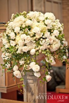 We adore Kelly Ann & Caleb's elegant, vintage-inspired wedding day captured by lifeimages. Wedding Reception Centerpieces, Ceremony Decorations, Flower Centerpieces, Flower Decorations, Classic Wedding Flowers, Floral Wedding, Church Flowers, Wedding Flower Inspiration, Bridal Flowers