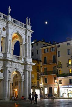 Vicenza, Italy www.brickscape.it #brickscape #turismoesperienziale #turismo #viaggi #esperienze #vacanze #veneto #trip #blog #experiences #venice #padua #vicenza #venetian
