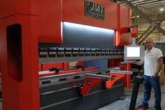 JMT PRESS BRAKE Press Brake, Welding Table, Welding Projects, Kitchen Appliances, Bike, 3d, Tools, Building, Cooking Ware
