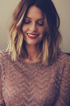 gorgeous short-middle length hair