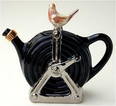 Collectible novelty teapots from Tony Carter in England. Tea Pot Set, Pot Sets, Ceramic Teapots, Ceramic Pottery, Cute Teapot, Sugar Pot, Teapots Unique, Tea Kettles, China Tea Sets