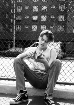 young leonardo dicaprio  (basketball diaries)