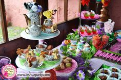 Alicia en el País de las Maravillas mesa dulce - Alice in Wonderland sweet table