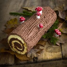 Nutella, Food And Drink, Christmas Ornaments, Holiday Decor, Swiss Rolls, Cooking, Cake Toppers, Elegant Desserts, Bakken