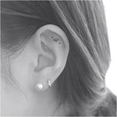 Ideas Of Cool Geometric Tattos Delicate Tattoo, Subtle Tattoos, Trendy Tattoos, Small Tattoos, Tattoos For Women, Smiley Piercing, Ear Piercings, Piercing Tattoo, In Ear Tattoo