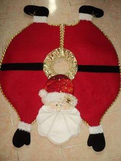 pie de arbol navideño Xmas Tree Skirts, Dress Form Christmas Tree, Christmas Skirt, Christmas Sewing, Felt Christmas, Simple Christmas, Christmas Holidays, Christmas Wreaths, Christmas Ornaments
