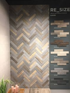 Lightweight panels easy to handle, work with and install Showroom Interior Design, Tile Showroom, Bathroom Interior Design, Interior Decorating, Floor Design, Wall Design, House Design, Toilet Design, Bathroom Ideas