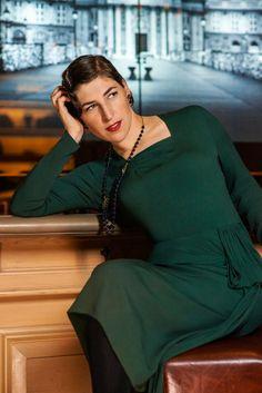 Melissa Rauch #Bernadette #TBBT #dress #red #hot | Melissa ...