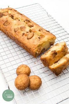 Bitterkoekjes cake 3 Pound Cake, High Tea, Sweet Recipes, Banana Bread, Food To Make, Icing, Oven, Cupcakes, Favorite Recipes