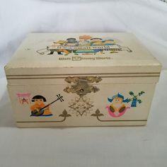 Vintage Walt Disney World Its A Small World Music Box Jewlery Japan Works 1970s | Collectibles, Disneyana, Contemporary (1968-Now) | eBay!