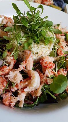 Large crab and crayfish tail salad #healtyeating #cornishcrab