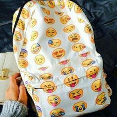 Solo io adoro le emoji?!?!?!😚😘😙😍😗
