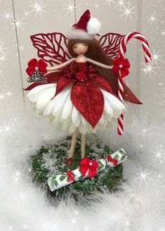 Christmas Tree Fairy, Christmas Ornament Crafts, Christmas Cards To Make, Christmas Crafts For Kids, Christmas Angels, Christmas Projects, Holiday Crafts, Christmas Wreaths, Christmas Decorations