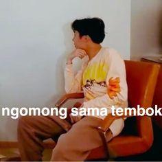Memes kpop bts indonesia 31 ideas for 2019 Memes Funny Faces, Funny Kpop Memes, Meme Meme, New Memes, Love Memes, Single Humor, Cartoon Jokes, Story Instagram, Funny Wallpapers