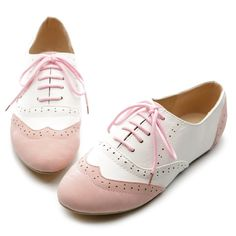 Comodos y lindos zapatos cerrados