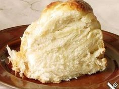 Hefezopf mit Quark-Zimt-Füllung Brioche Bread, Cakes And More, Camembert Cheese, Sweet Tooth, Sweet Treats, Dairy, Cookies, Desserts, Recipes