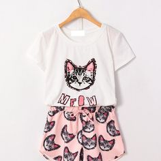 Letters Print Pullover T-shirt & Cat-heads Print Drawstring Shorts Cute Pjs, Cute Pajamas, Pyjamas, Cute Sleepwear, Pajama Outfits, Jolie Lingerie, Culottes, Kawaii Clothes, Cat Shirts
