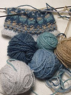 Bohus-inspired knitting. Love these colors together.