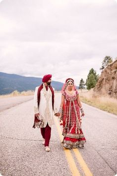 http://weddingstoryz.blogspot.in/ Indian Weddings Desi Weddings Bride Groom lehenga Indian wedding photography. Couple photoshoot ideas.