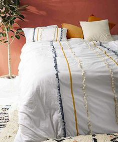 Flber Tasseled Duvet Cover Queen Boho Comforters Textured Bedspreads White Bedding >>> Check out this great product. (This is an affiliate link) Boho Comforters, Boho Bedding, White Bedding, Luxury Bedding, Cute Bedspreads, Modern Bedding, White Bed Comforters, Hippie Bedding, Bedding Decor
