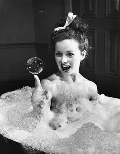 Actress Jeanne Crain takes a bubble bath for her role in the movie Margie. See more photos of young actresses here. Matthieu Bourel, Pin Up, Jeanne Crain, Blowing Bubbles, Young Actresses, Soap Bubbles, Bubbles 3, Dita Von Teese, Bathing Beauties
