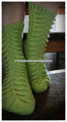 Piirakkasukat #novita #woolsocks #knitting #womenswoolsocks #piirakkasukat… Loom Knitting, Knitting Socks, Knitting Patterns, Knit Socks, Womens Wool Socks, Green Socks, My Socks, Mittens, How To Make