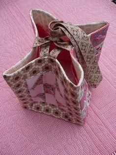 P1020657. Sewing bag.