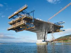 Tverlandsbrua Bridge, Norway. Modular cantilever forming travellers for cross-sections of the deck.