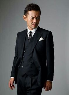 Japanese Men, Cool Suits, Mens Suits, Gentleman, Suit Jacket, Hairstyle, Actresses, Mens Fashion, Actors