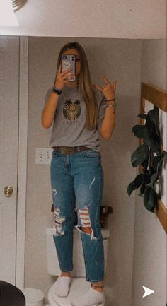 Cute Outfits With Jeans, Cute Teen Outfits, Teen Fashion Outfits, Simple Outfits, Outfits For Teens, Cool Outfits, Country Style Outfits, Southern Outfits, Western Outfits Women