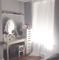 Beautiful Make Up and Dressing Room Decor ideas To Maximize Your Life My New Room, My Room, Spare Room, Decor Room, Bedroom Decor, Home Decor, Bedroom Ideas, Dressing Room, Dressing Tables