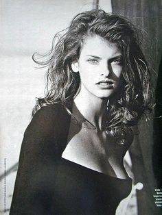 Linda Evangelista - 1988 by Peter Lindbergh..... I think she may be a chameleon