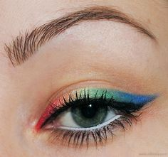 Colorful Liner #2 http://www.makeupbee.com/look_Colorful-Liner-2_5543