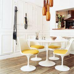 Dining space. #Eero #Saarinen