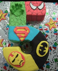 Superhero cake @Denise H. H. H. H. Watts - shape and incorp of the superheroes Superhero Birthday Cake, Superhero Party, 5th Birthday, Avengers Birthday, Birthday Cakes, Boy Birthday Parties, Birthday Ideas, Number 5 Cake, Number 3