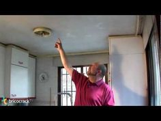 Preparar un techo para pintar (BricocrackTV) - YouTube