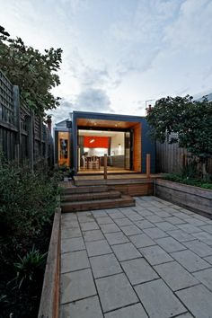 A 419 s.f. addition with a simple connection to the garden. Gardiner House by 4site Architecture, Melbourne.