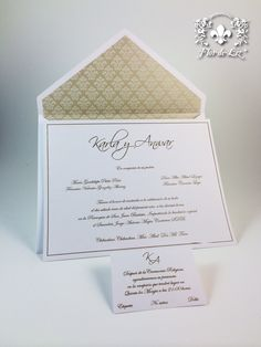 Invitaciones de Boda en sobre clásico con decoración dentro del sobre.
