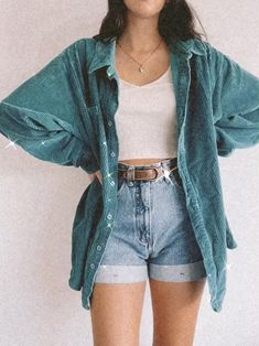 Cute Casual Outfits, Retro Outfits, Stylish Outfits, Vintage Outfits, Summer Outfits, Cinema Outfit Casual, Outfit Ideas Summer, 80s Inspired Outfits, Mom Jeans Outfit Summer