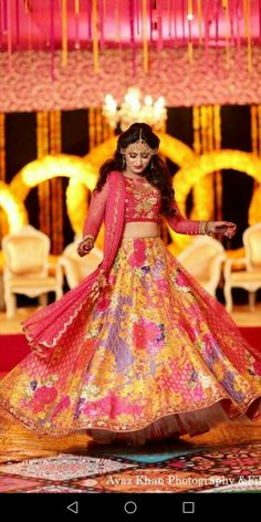 Bride Sister, Mehndi Brides, Wedding Make Up, Beautiful Bride, Pakistani, Snow White, Asian, Disney Princess, Wedding Dresses