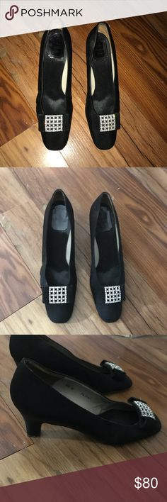 Christian Dior Black Kitten Heels size 6.5 in women's has some damage on one heel Christian Dior Shoes Heels