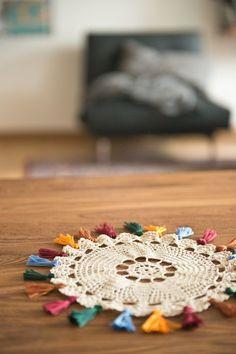 Hm, simple I guess, but cute. The Yarn Over List: Color Schemes Hm, simple I guess, but cute. The Yarn Over List: Color Schemes House Thoughts Crochet Diy, Mandala Au Crochet, Crochet Amigurumi, Crochet Motifs, Modern Crochet, Crochet Home, Love Crochet, Crochet Doilies, Crochet Stitches
