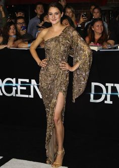 Best Dressed Celebs of the Week: Shailene Woodley, Emma Watson, Scarlett Johansson and More - theFashionSpot