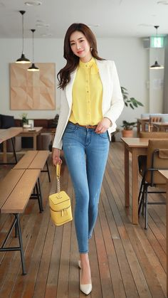 Ideal And Classy Work Outfits Classy Work Outfits, Summer Work Outfits, Office Outfits, Trendy Outfits, Fashion Outfits, Fall Outfits, Korean Fashion Trends, Asian Fashion, Look Fashion
