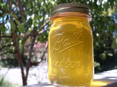 You can make honey moonshine from any type of honey, be it floral, white, buckwheat honey. Learn how to make homemade moonshine with honey fragrance. Honey Moonshine Recipe, Homemade Moonshine, Moonshine Whiskey, Honey Shine Recipe, Homemade Alcohol, Homemade Liquor, Wine And Liquor, Wine And Beer, Liquor Drinks